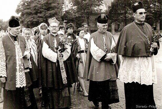 Z ks.infułatem i bpem Pawłowskim